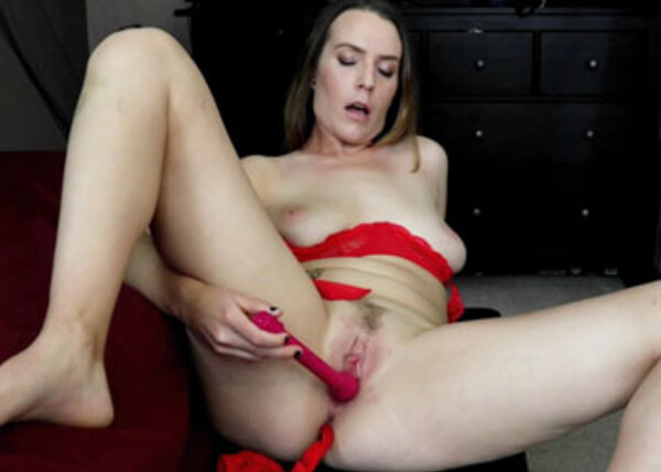 Alisha Adams cums hard with her vibrator