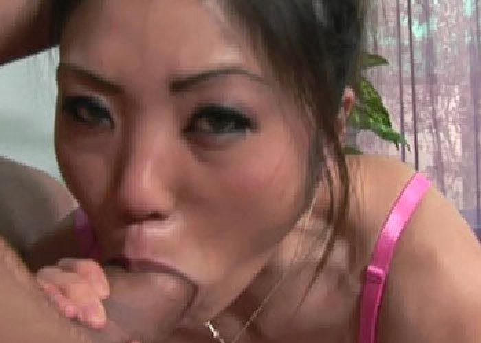 Asian slut Kaiya gets a big facial